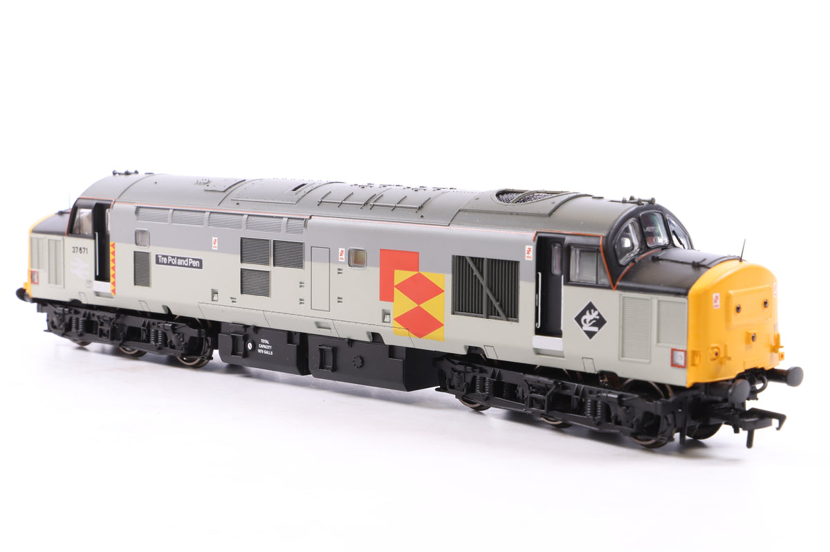 Bachmann OO 32-380 Class 37/5 Diesel 37671 Railfreight 'Tre Pol and Pen'