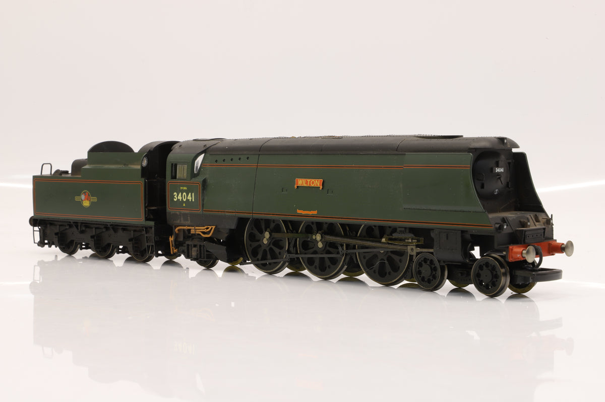 Hornby OO R2218 BR 4-6-2 West Country Class 34041 'Wilton'