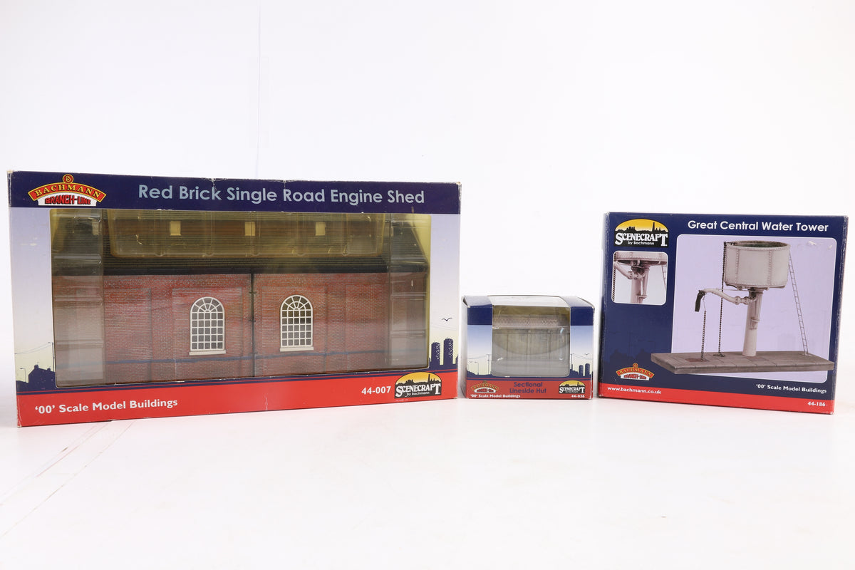 Bachmann OO 3 Buildings, Inc 44-036 Sectional Lineside Hut, 44-186 Great Central Water Tower + 44-007 Red Brick Single Road Engine Shed