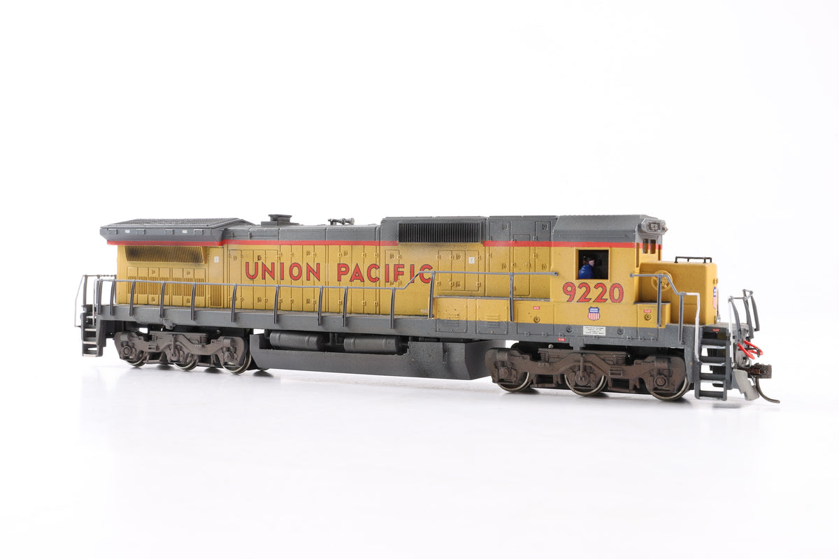 Spectrum HO 85001 GE Dash 8-40C Diesel (Undecorated), DCC Sound & Weathered