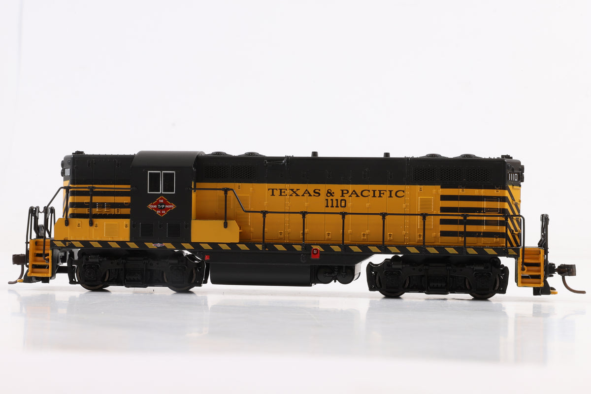 Atlas Classic HO Gauge #8420 EMD GP-7 Texas & Pacific #1110