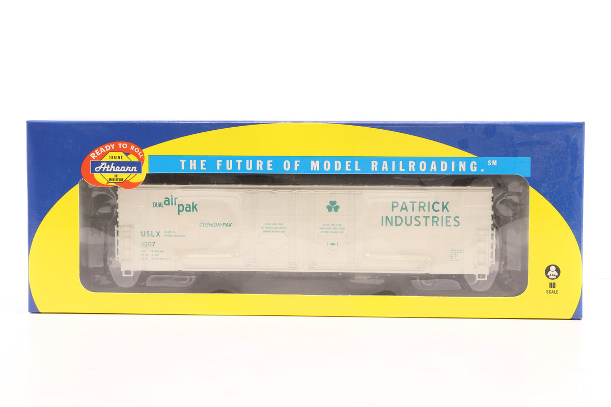 Athearn HO Pair of 50' Double - Plug Door Boxcars inc, 96908 & 07