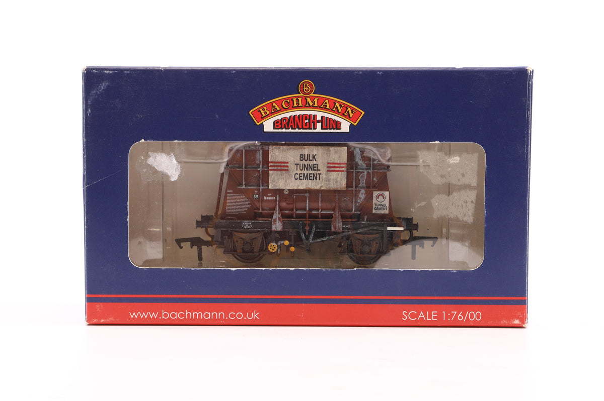 Bachmann OO Rake of 6 Presflo 20T Cement Wagons, Inc. Blue Circle, Crown Cement and Bulk Tunnel Cement, Weathered