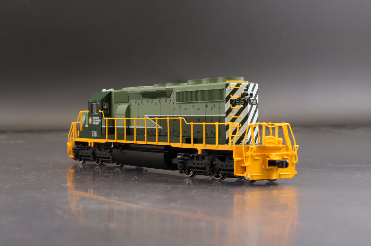 Kato HO 37-2904 British Columbia Railway #756 EMD SD40-2 Mid w/Snoot Nose, DCC Fitted