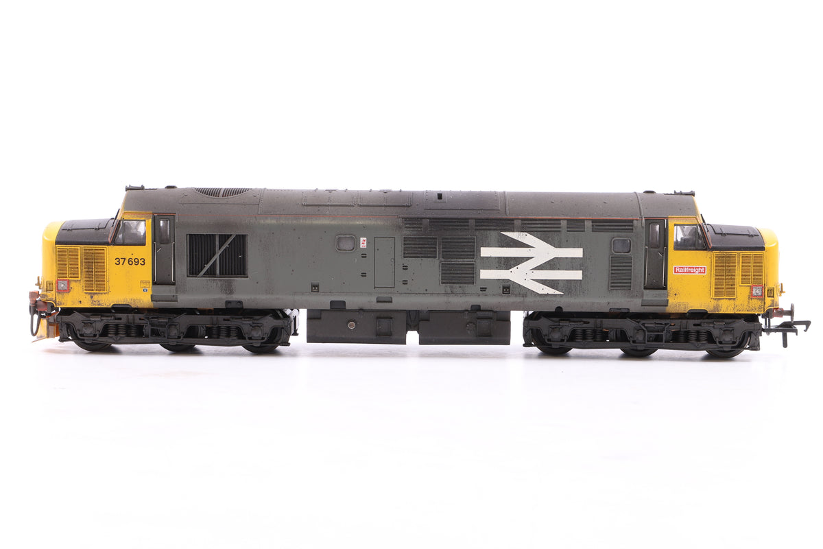 Bachmann OO 32-376DS Class 37/5 Diesel 37693 Railfreight w/Sound