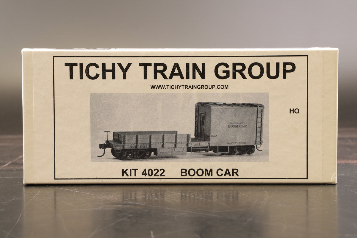 Titchy Train Group HO 4022 Boom Car & 4010 Steam Wrecking Crane 120 Ton