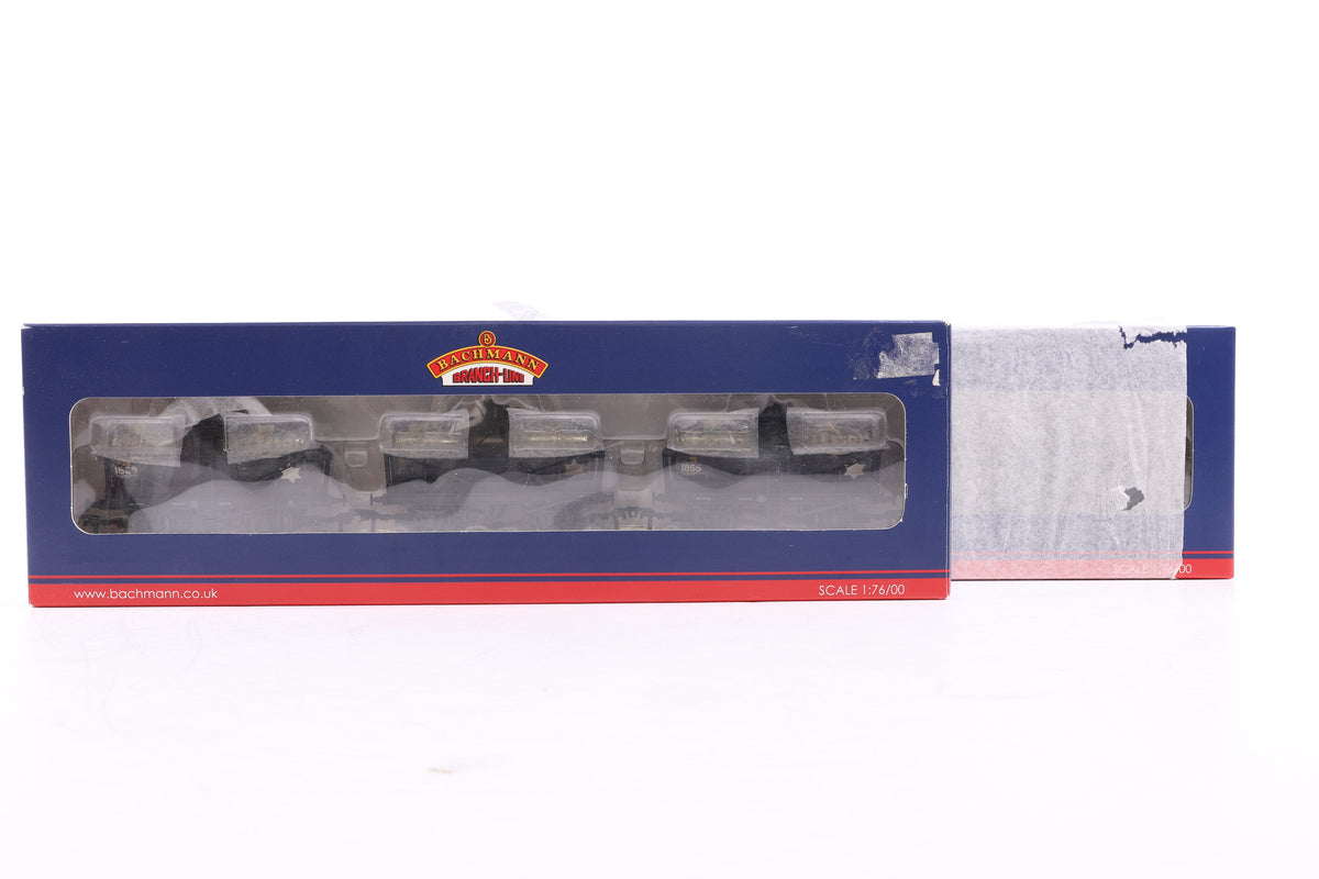 Bachmann OO 2 x 37-666B (Set of 3) 14T Tank Wagons 'Esso' Black, Weathered