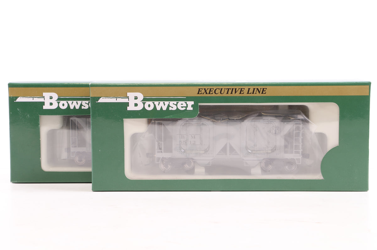 Bowser HO Pair of 70 Ton 2-Bay Covered Hopper Boston & Maine Wagons, Inc. 40930 & 43931