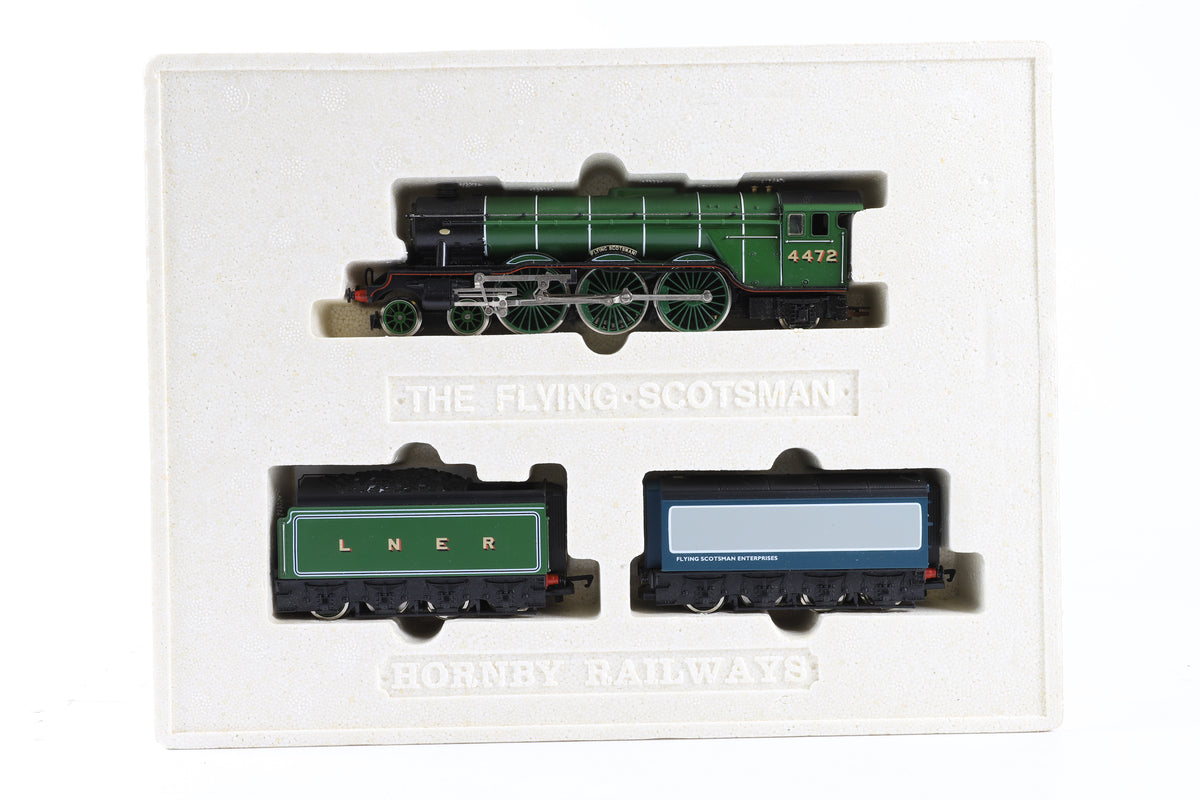 Hornby OO R098 Flying Scotsman Locomotive w/Two Tenders, Limited Presentation Edition