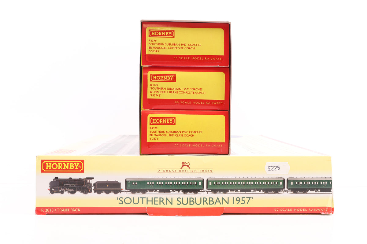 Hornby OO R2815 'Southern Suburban 1957' Great British Train Pack & R4379 'Southern Suburban 1957' Coach Pack
