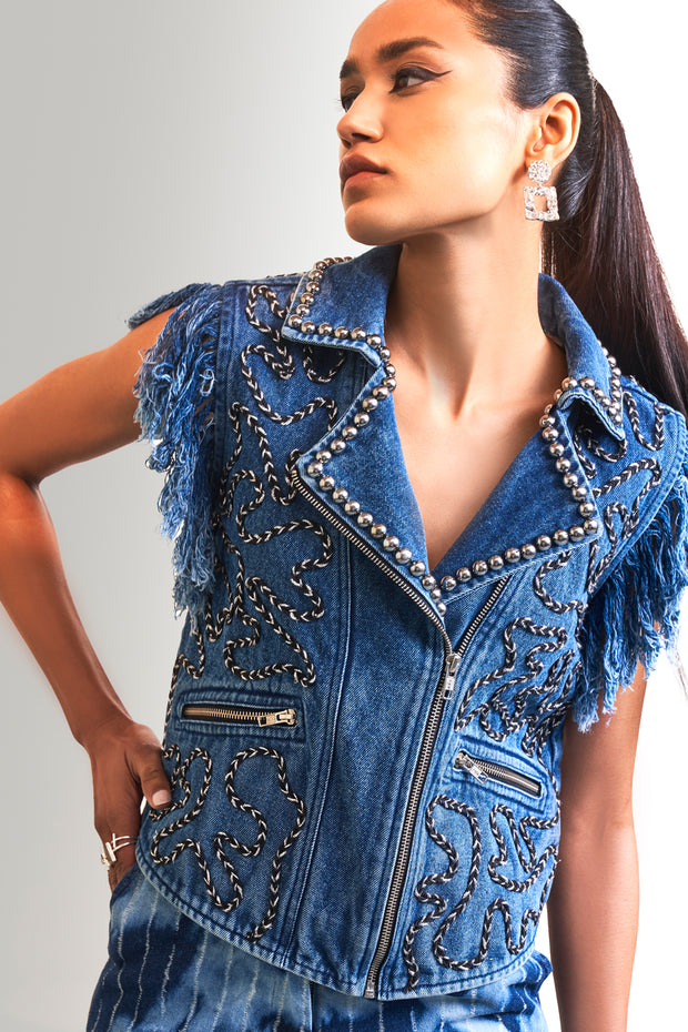 EMBROIDERED SLEEVELESS VEST