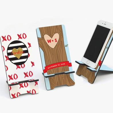 Love custom cell phone stand | Couples unique gift idea