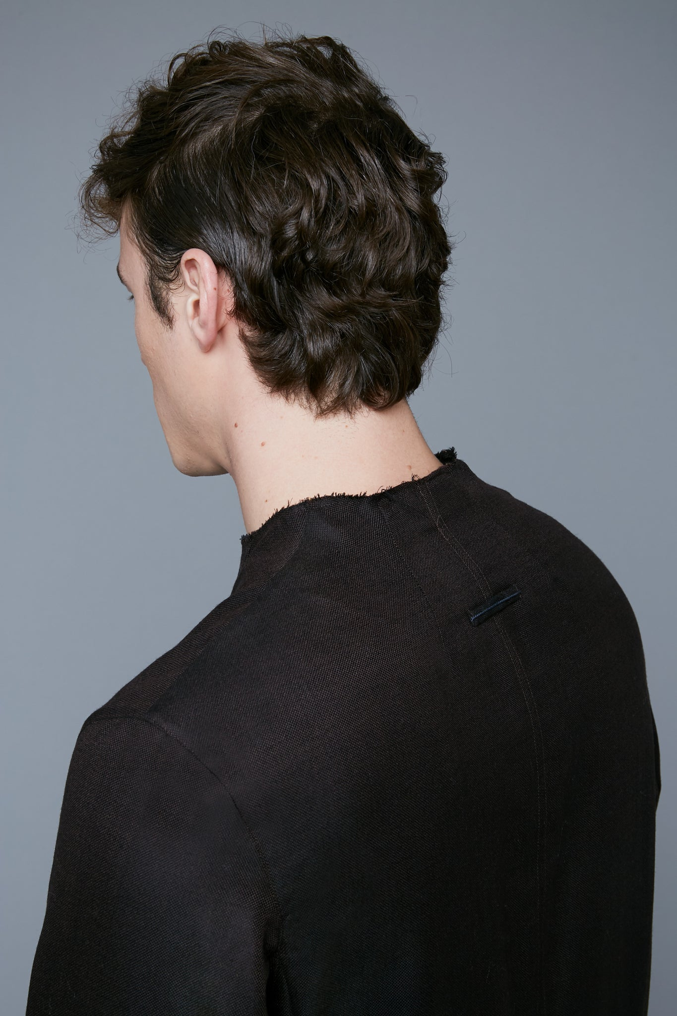 Detail View: Model Hans Weiner wearing Royal Pullover