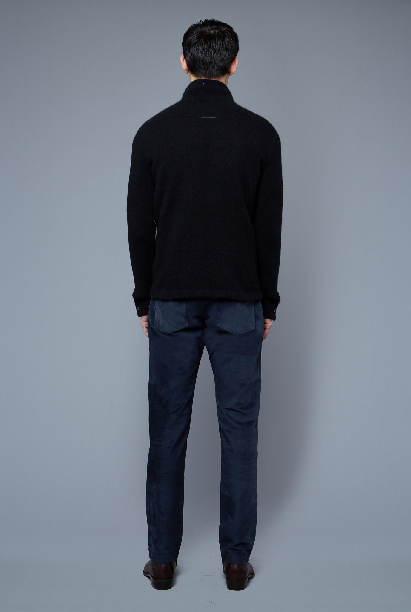 Back View: Model Qiang Li wearing Cashmere Boucle Sweater