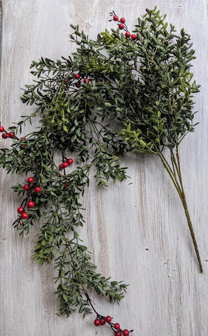 Red Berry Boxwood Hanging