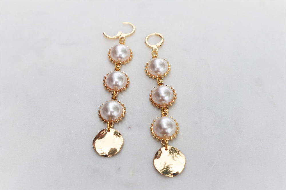 Long acrylic pearls earrings