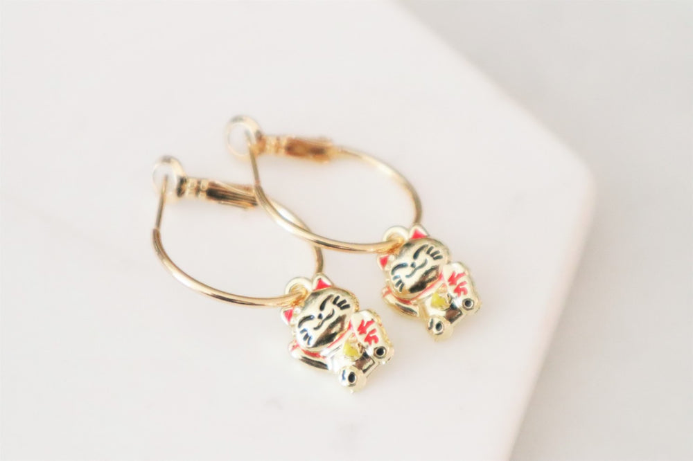 Lucky cat hoops