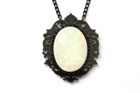 Cream Aura Fairytale Necklace