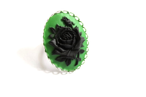 Rose Cameo Ring - Black & Green