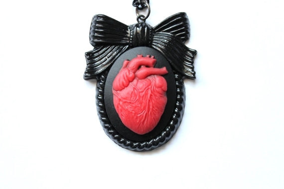 Anatomical Heart Large Bow Cameo Necklace