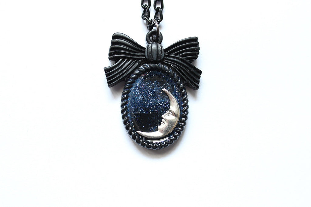 Lucine Mini Bow Cameo Necklace