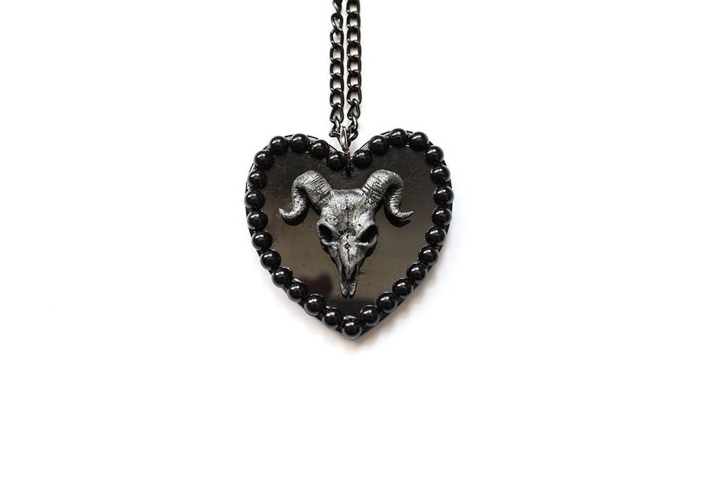 Ram Skull Pearl Extra Large Heart Necklace