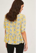 Load image into Gallery viewer, Puff-Sleeve Top with Wild Flower Print