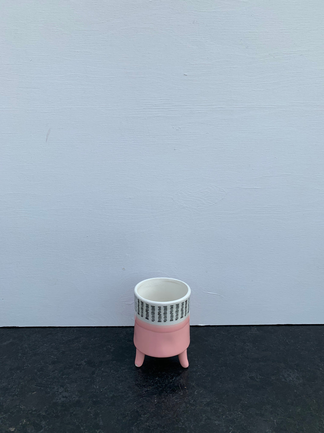 Cache pot 'Painterly Footed' 3.25po