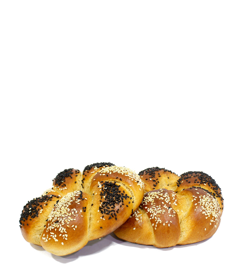 Braided Kitke Bread Roll with Sesame and Poppy Seeds