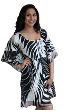 Load image into Gallery viewer, all season tropical print front open kaftan