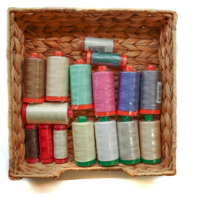 Spool colour coding and weight codes for Aurifil threads