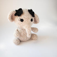 Load image into Gallery viewer, Norsu amigurumi-lelu