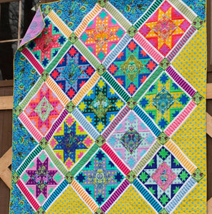 Tula Pink Center Stage Free Quilt Pattern