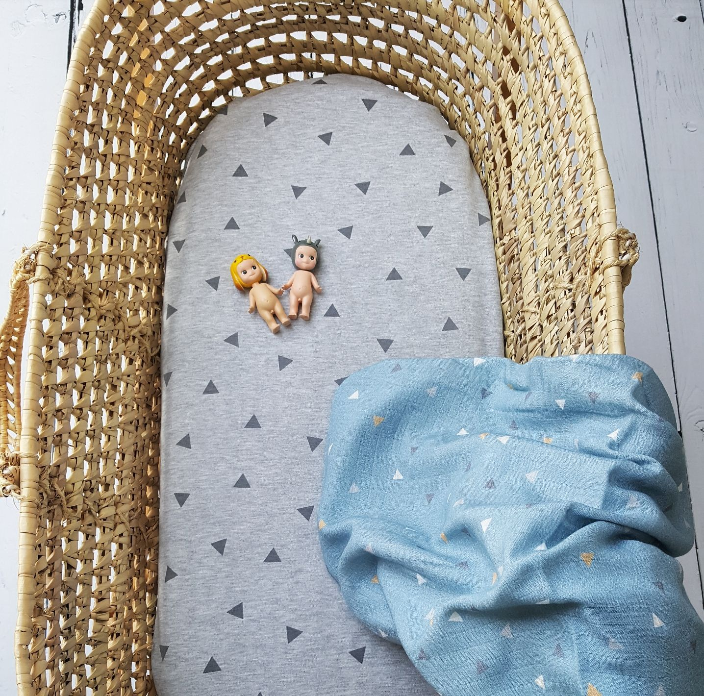 Pram/Moses Basket Fitted Sheets Dots & Triangles - MyLullaby