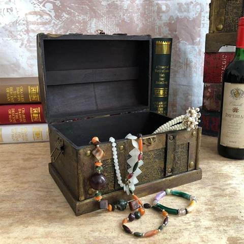 chest-wood-style-pirate-jewelry