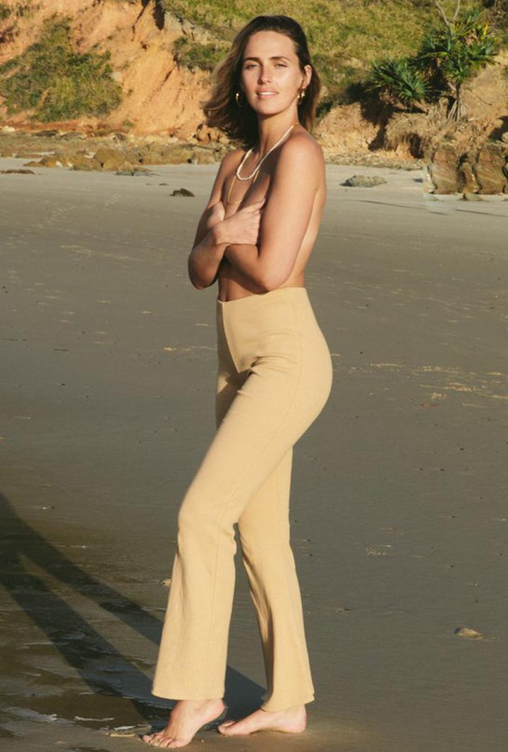 Ribbed Knit Luka Flared Pant in Tan Summi Summi