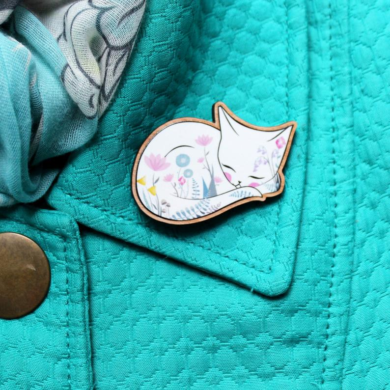 Wooden White Cat Brooch