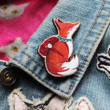 Load image into Gallery viewer, Wooden Fox Brooch