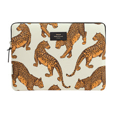 "Load image into Gallery viewer, Macbook pro 13"" Leopard Cover"