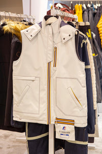 White Sleeveless jacket with K-way