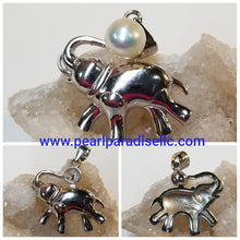 Load image into Gallery viewer, Elephant Mount Pendant