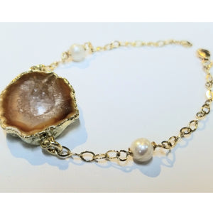 Agate Stone and Floating Pearl Bracelet