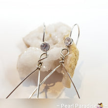 Load image into Gallery viewer, Tear Drop Earring With CZ Pearl