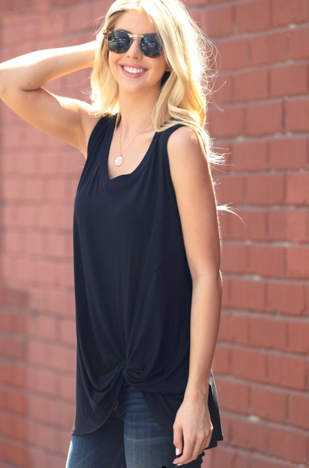Front Knot Tank (Black)