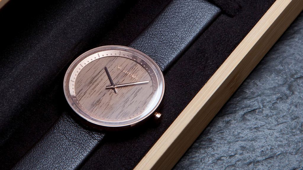 walnut wood watch VEJRHØJ