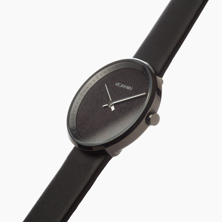 Minimalistic black women's watch - LUNA by VEJRHØJ