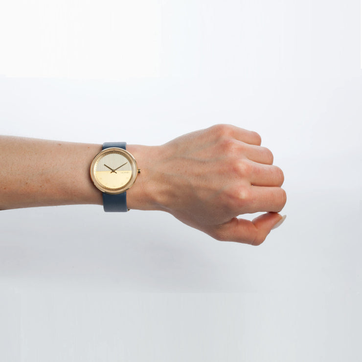 Women maple wooden watches - wrist photo