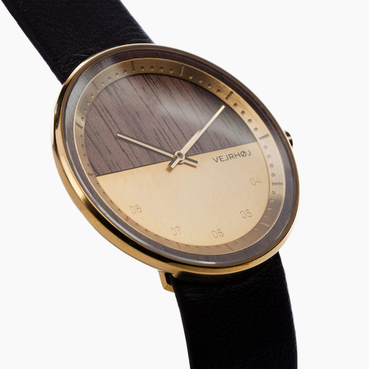 Walnut Wooden watch - VEJRHØJ - The GOLD