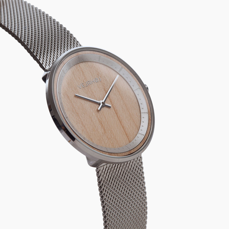 Vejrhoj wood watch