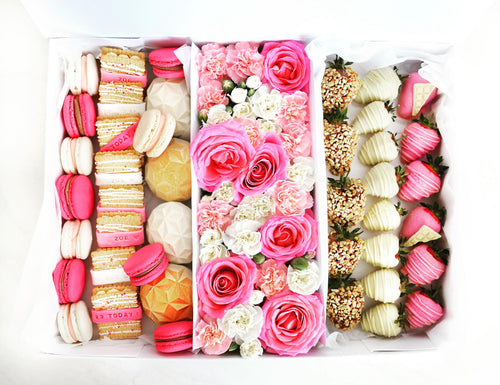 birthday sweet box with flowers